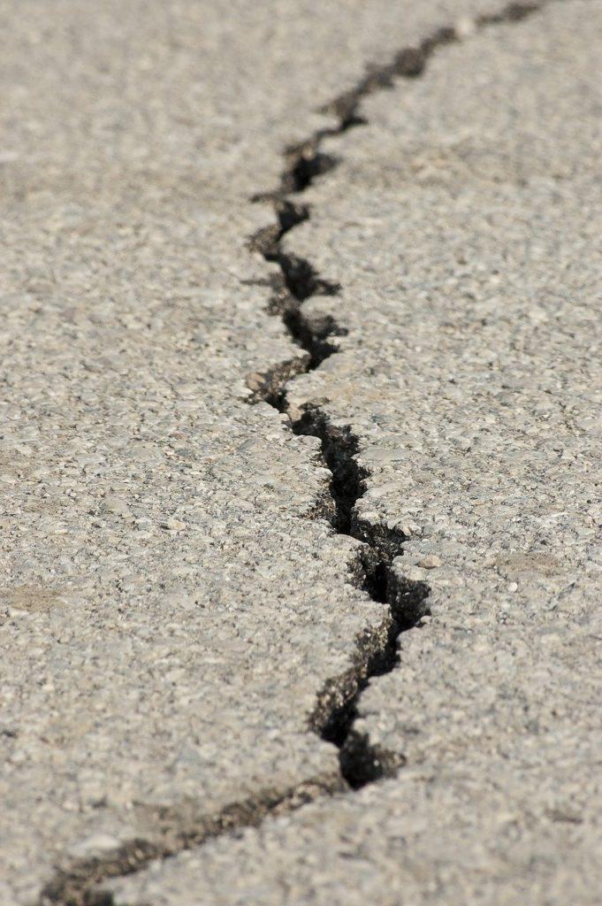 earthquake, fracture, asphalt-1665892.jpg